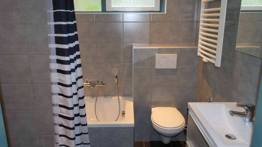 De Leeuwerik | lodge voor 6 personen, badkamer | Veluwe Lodges Otterlo
