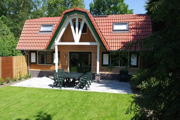 De Merel | Stoere houten lodge voor 9 personen | Veluwe Lodges Otterlo