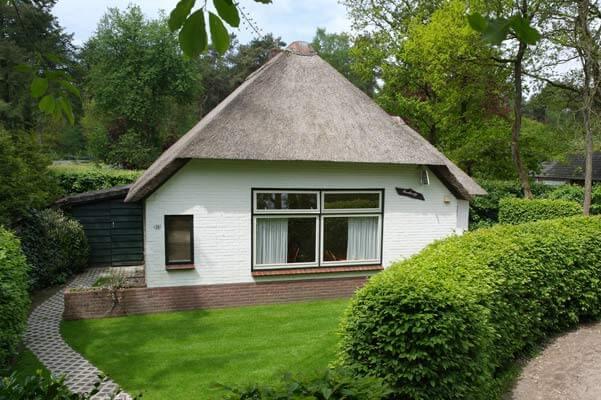 Het Roodborstje | Romantische lodge voor 4 personen | Veluwe Lodges Otterlo